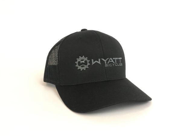 Wyatt Trucker Snapback hat black